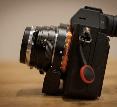 LM-EA7に合う KAZA レザーカメラケース